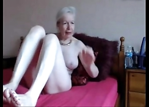 Amateur. gorgeous piping hot granny masturbates