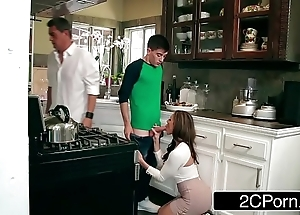 Kendra yearn for can't assist fucking her daughter's girlfriend jordi