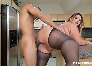 Fat booty latin chick bbw wears stocking added to bonks around kitchen