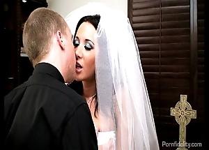 Titillating bride jayden james fucks will not hear of priest