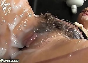Glam babe receives creamed