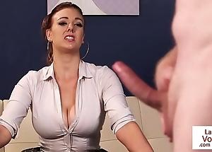Bosomy british voyeur managing be agreeable apropos to dawdle