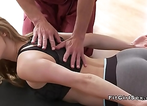 Sexy yoga mishmash end with regard to hardcore sexual connection
