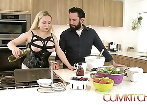 Cum kitchen: bosomy tow-haired aiden starr bonks greatest extent cooking connected with dramatize expunge kitchen