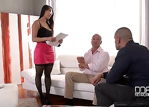 Handsonhardcore - eurasian big booty nympho likes DP