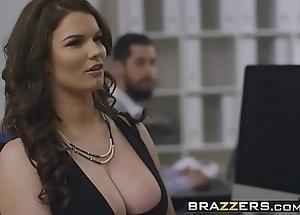 Brazzers - chunky boobs going forward - (tasha holz, danny d) - working hard